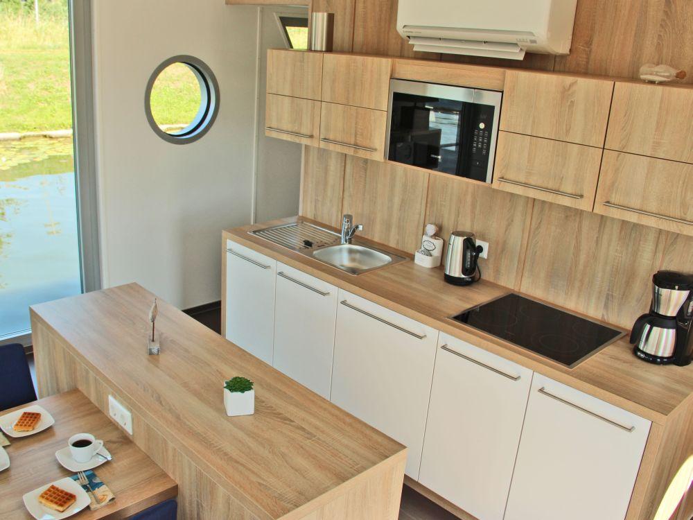 floating houses sind schwimmende ferienh user floating 44. Black Bedroom Furniture Sets. Home Design Ideas