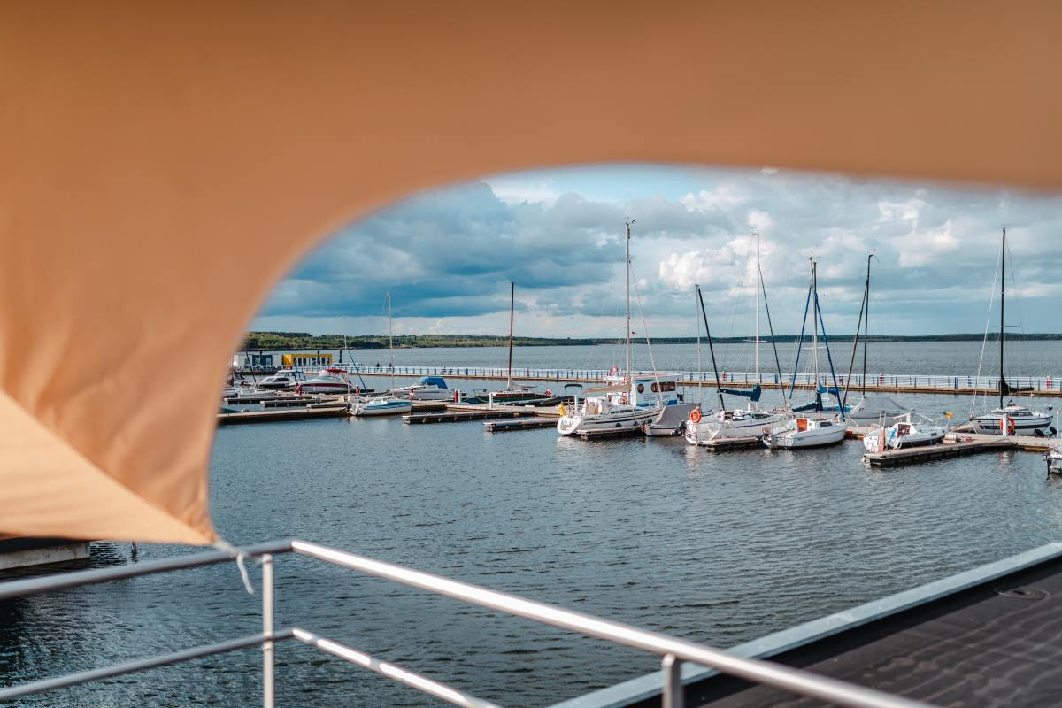 Hausboot-Skyline33
