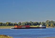 Hausboote_Rhein_Schiff1kl1