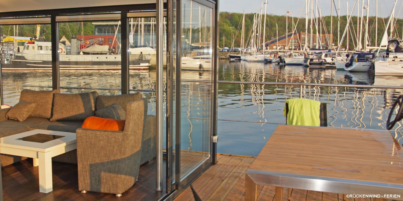 FLOATING 44 in Laboe: